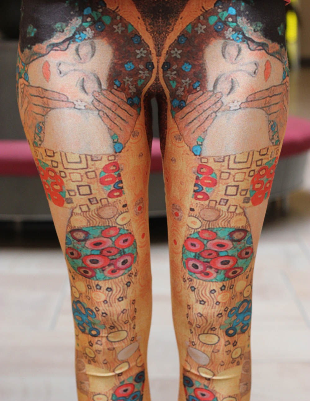 kiss klimt print leggings