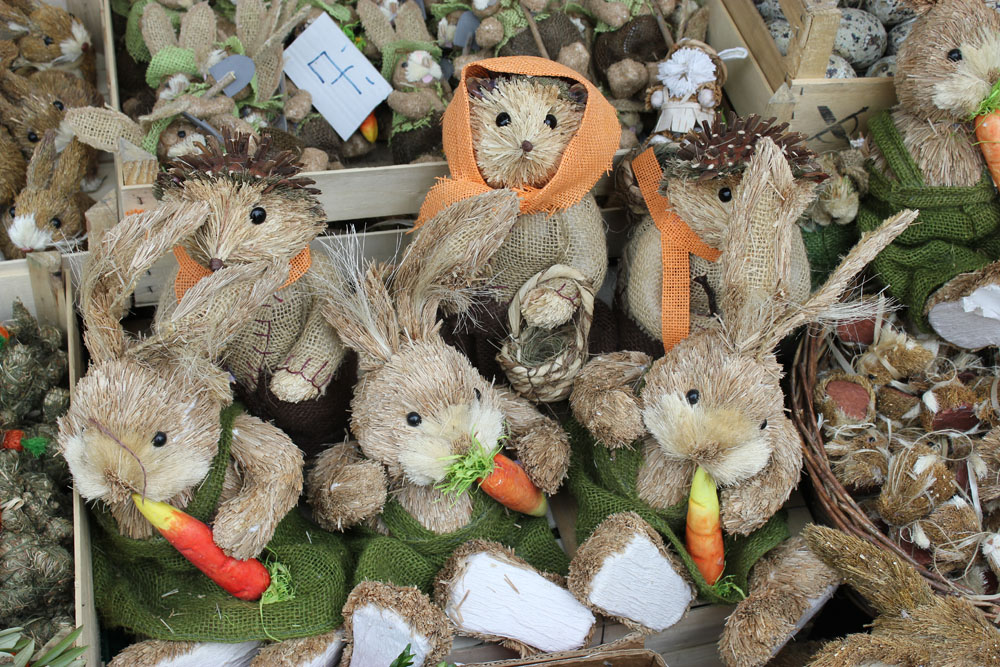 handmade straw easter bunnies