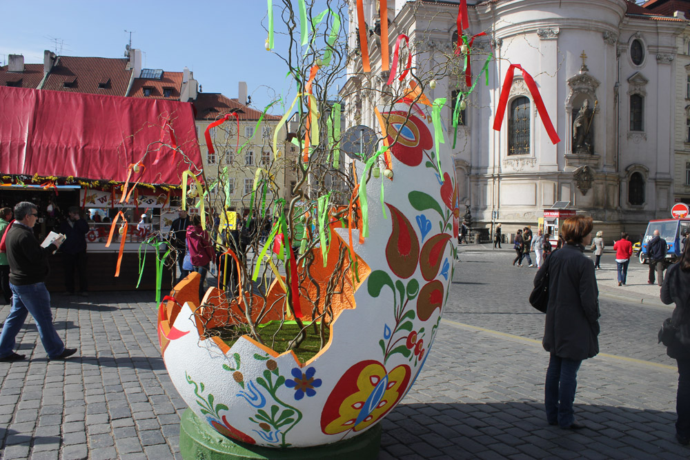 prague square easter market