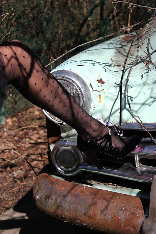 betsey johnson black mary jane heels