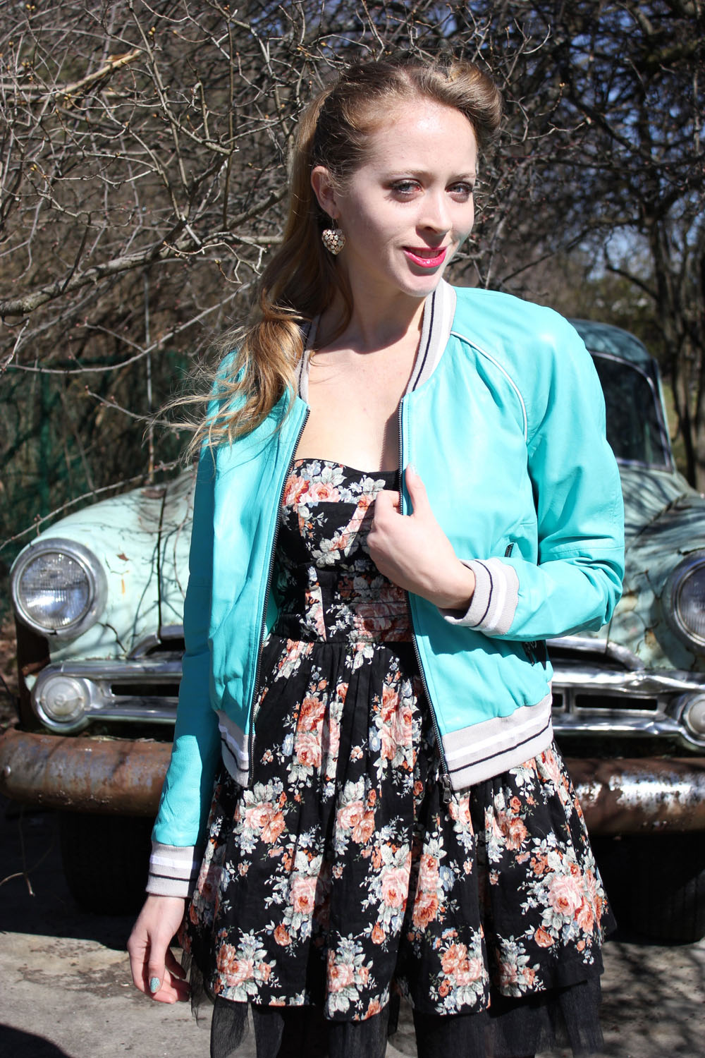 victory roll 50s inspired outfit