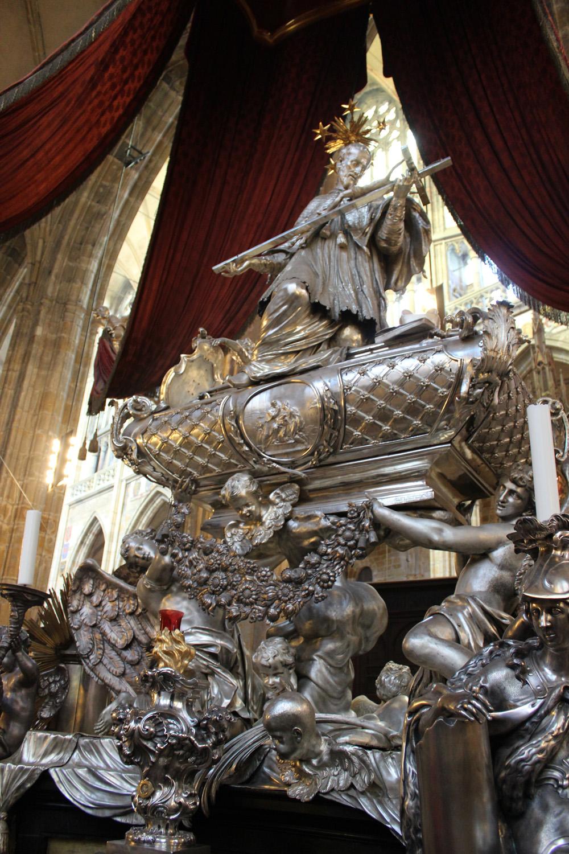 jan nepomuk st vitus silver statue