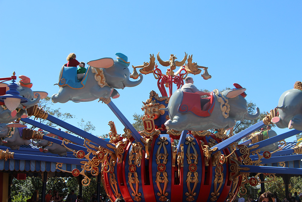 dumbo the flying elephant ride