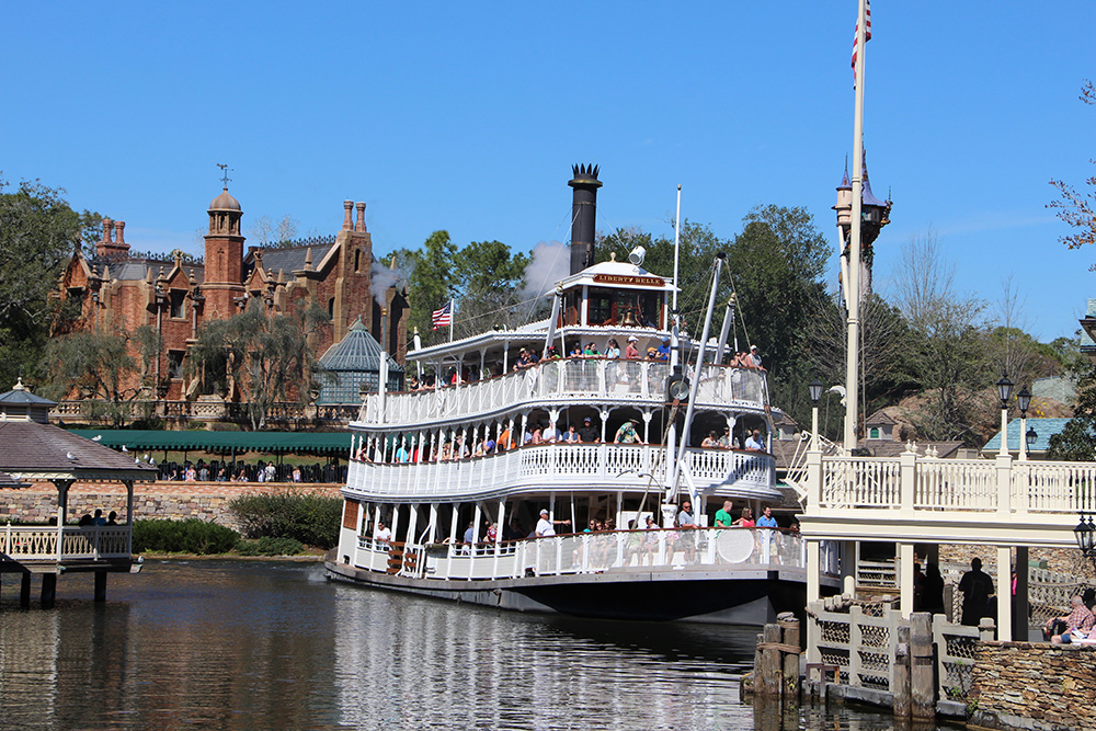 river belle haunted mansion
