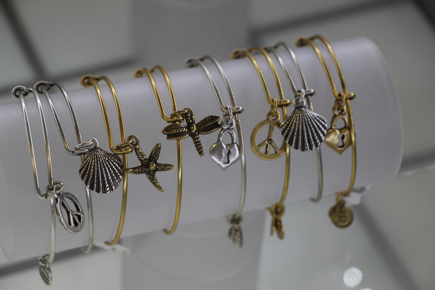 alex and ani charm bracelets