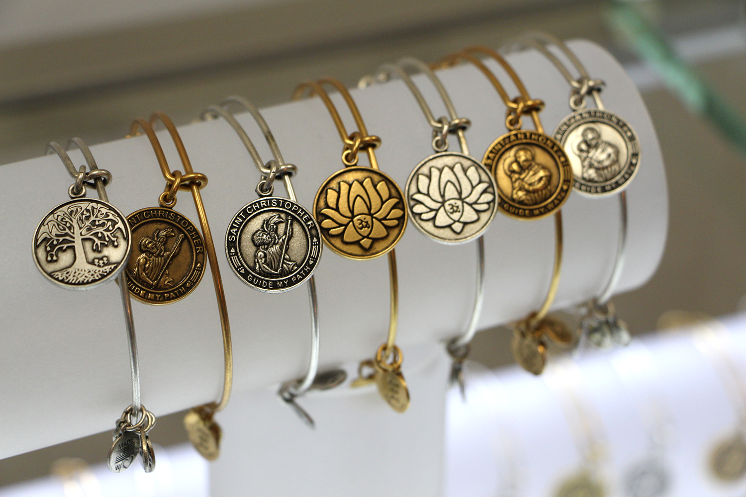 alex and ani lotus charm bracelet