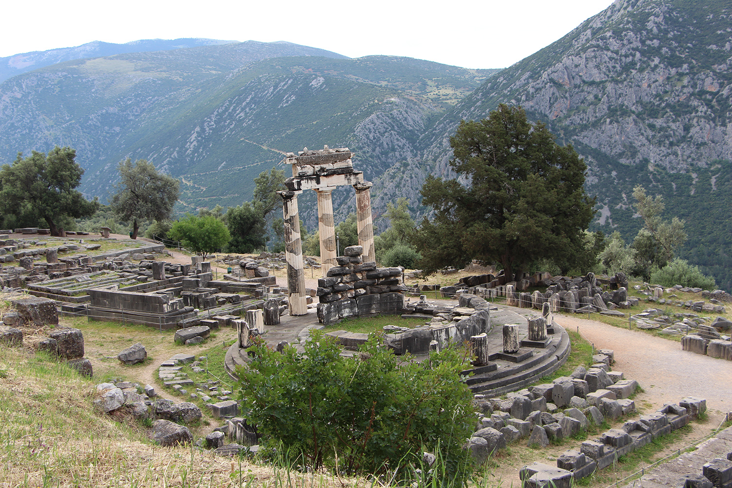 temple of athena delphi greece