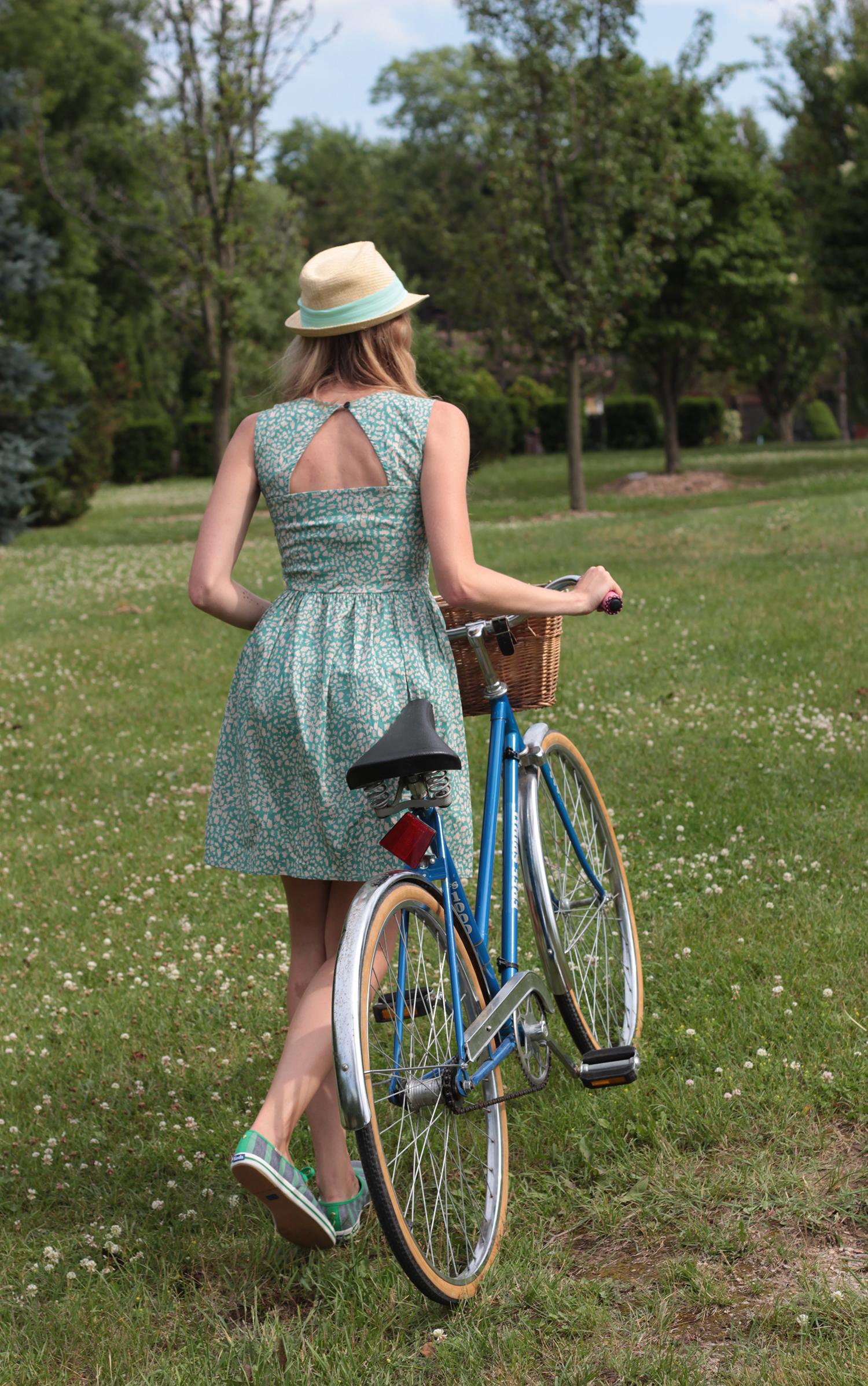 girl with vintage bike kate spade keds