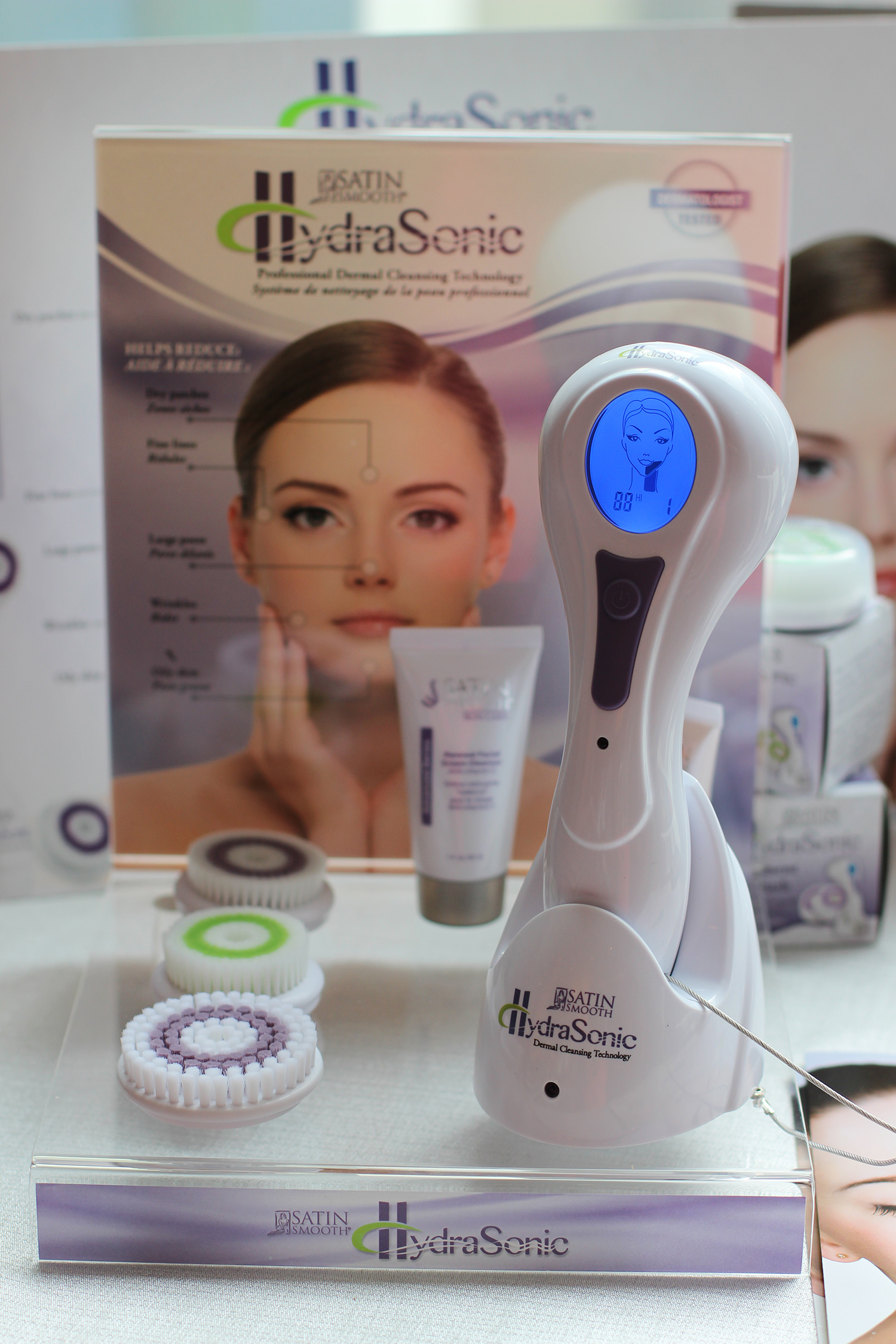 satin smooth hydrasonic cleansing brush