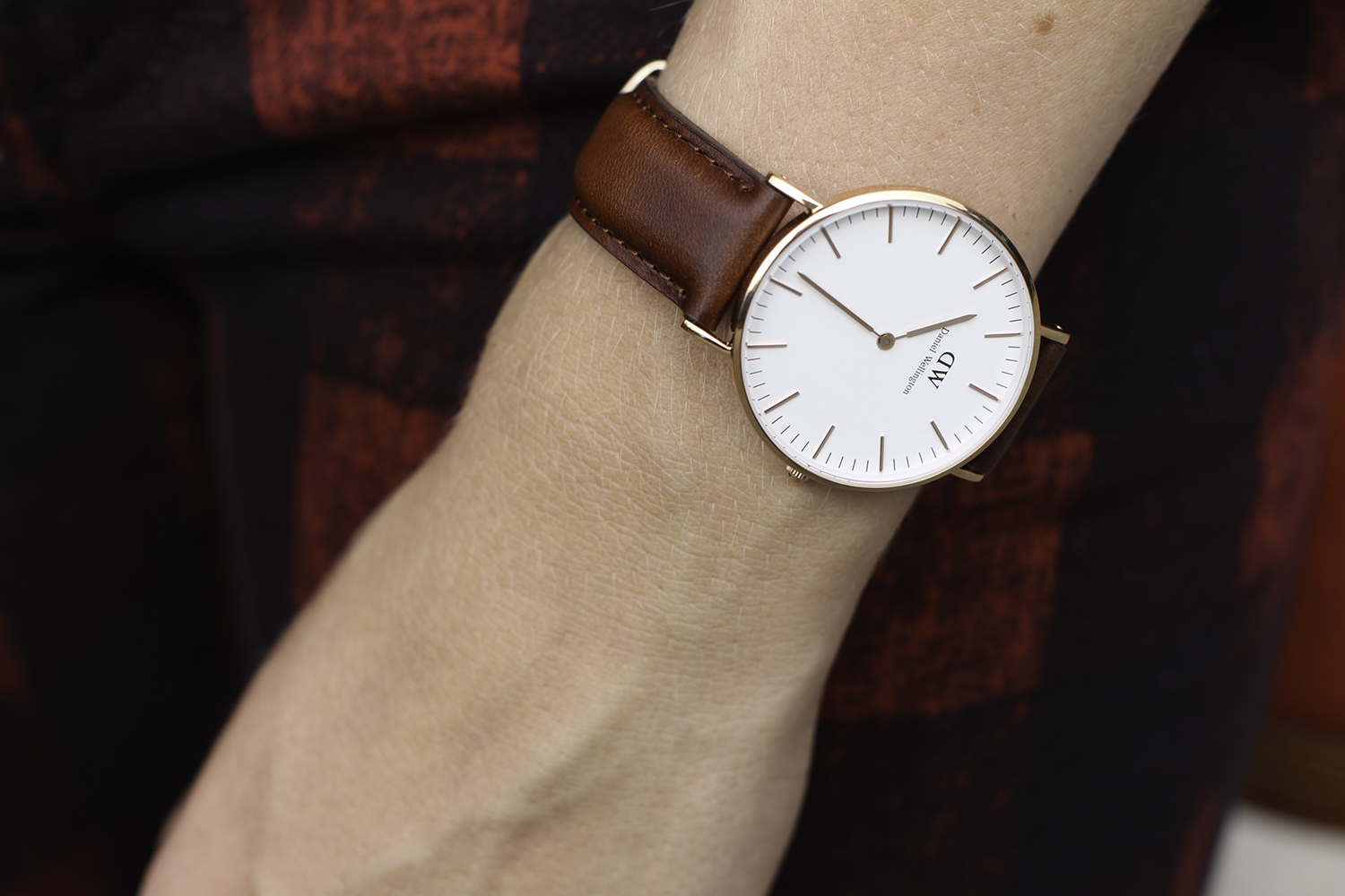 daniel wellington brown leather watch