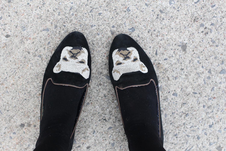bulldog embroidered smoking slipper flats