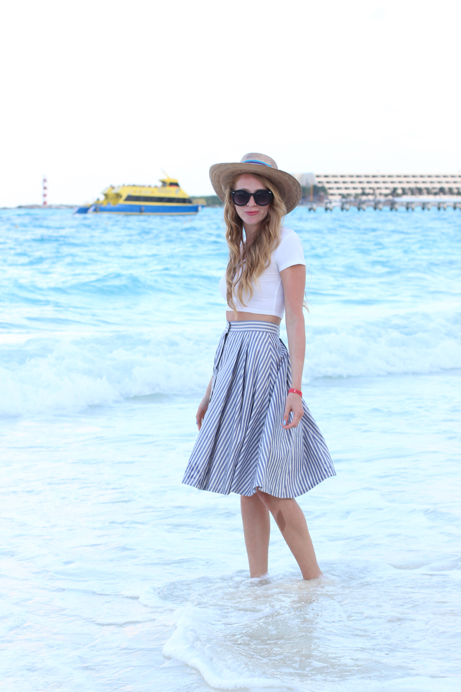 vacation outfit midi skirt crop top