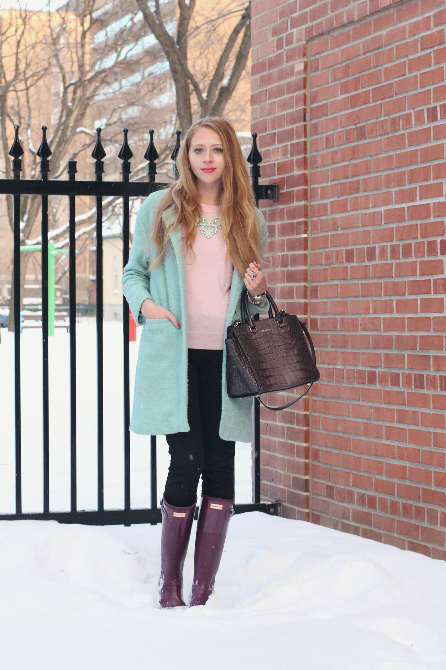 purple hunter boots outfit