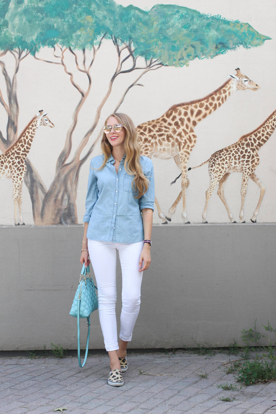 chambray shirt outfit white jeans