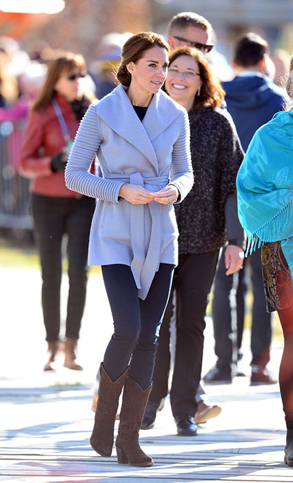 kate-middleton-sentaler-grey-coat