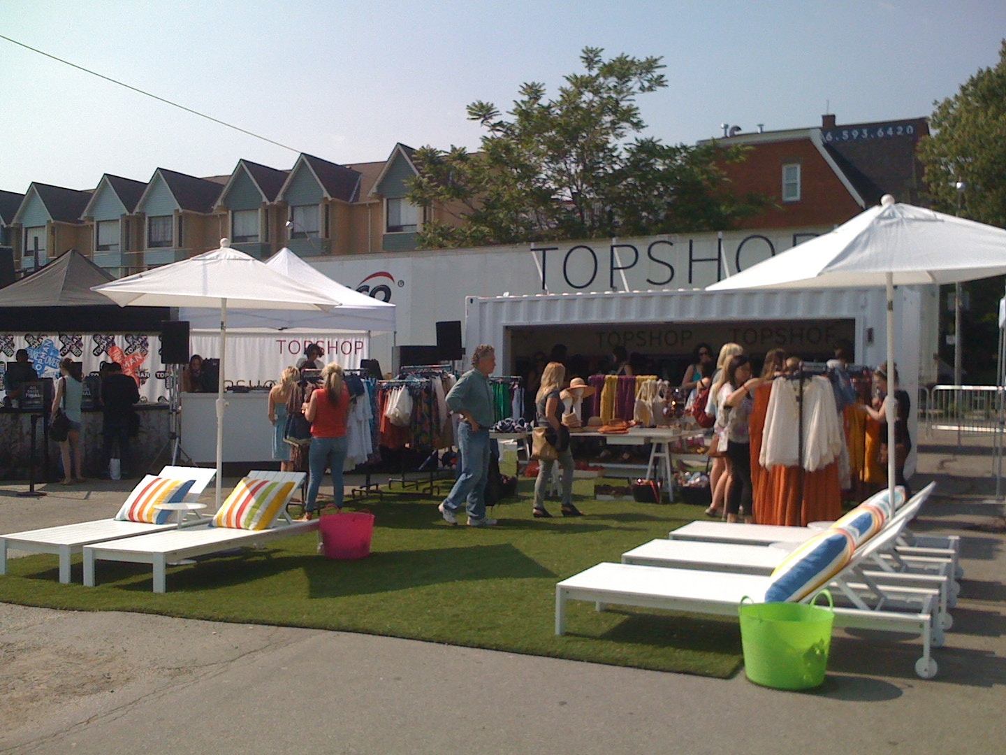 TOPSHOP + TOPMAN Take Over QUEEN