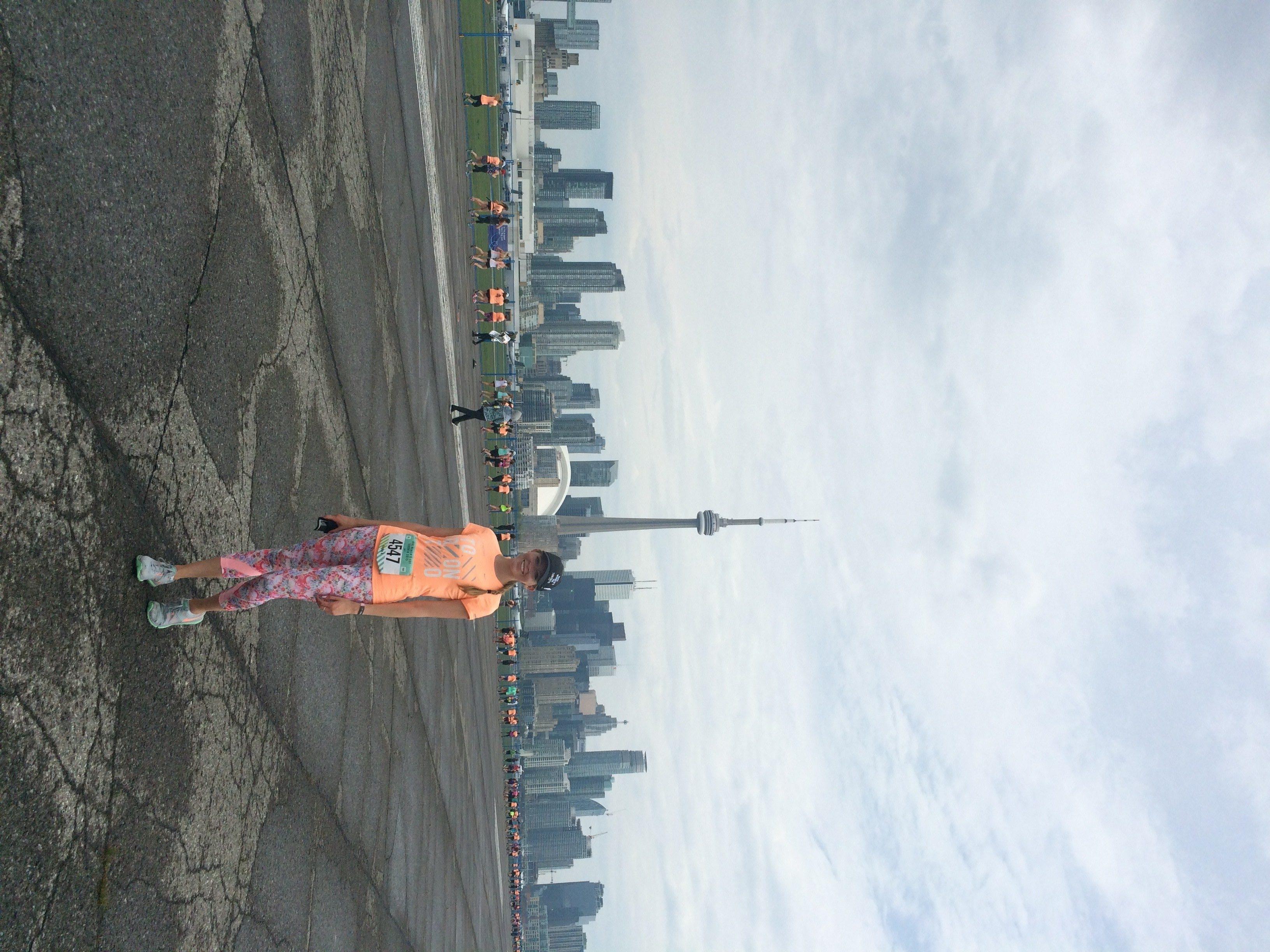 nike women's 15k toronto course airport runway