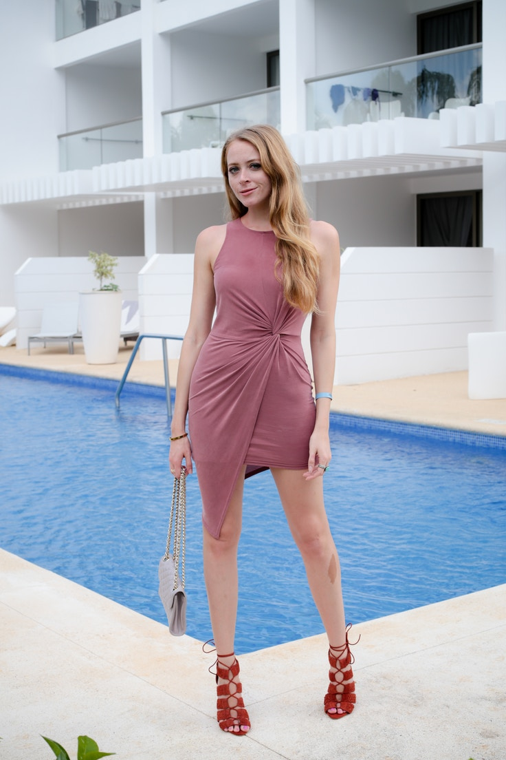 pink-bodycon-dress-2-of-5