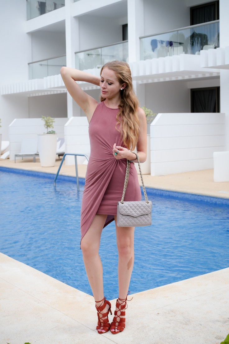 pink-bodycon-dress-3-of-5