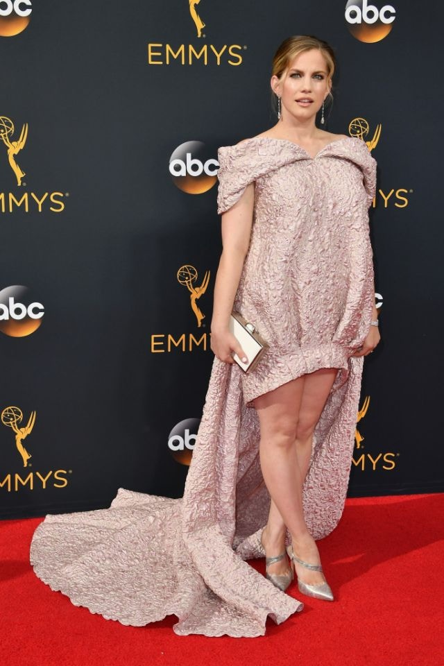 anna-chlumsky-neil-j-rodgers-emmys