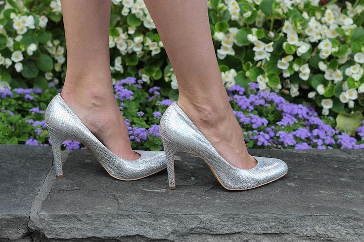 bcbg iridescent shoes