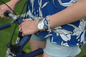 blue eye macrame bracelet
