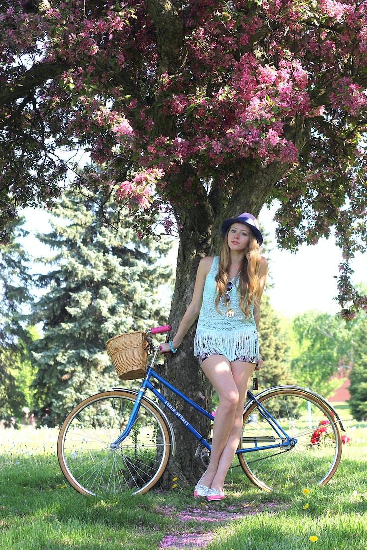 blue vintage bicycle
