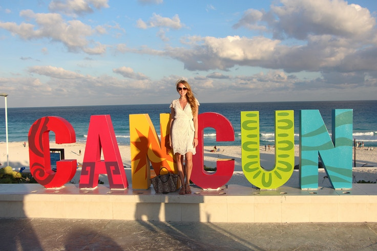 cancun sign playa