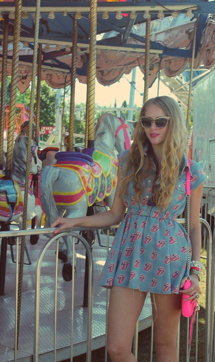 carousel girl