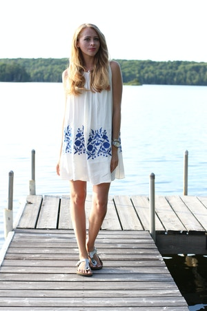 chicwish white dress blue embroidery
