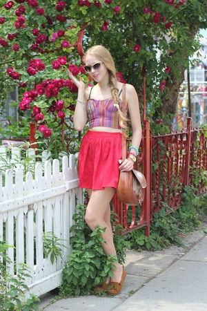 cropped top and roses