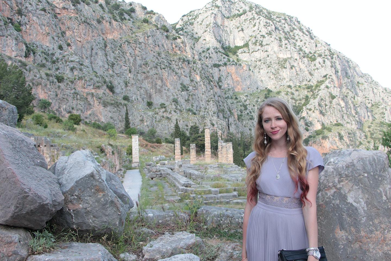 delphi greece temple of apollo
