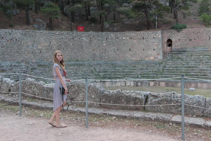 delphi roman stadium