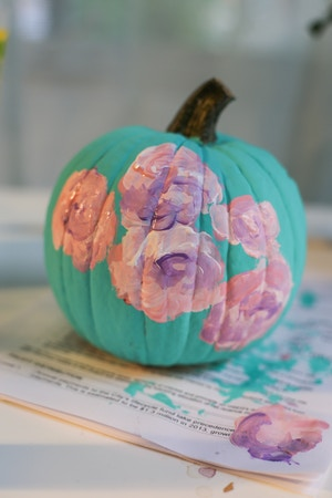 diy-floral-painted-pumpkin-4-of-6
