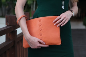 ela leather clutch