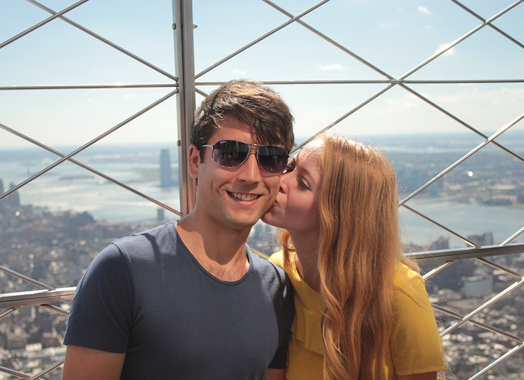 empire state building kiss