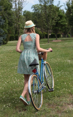 girl with vintage bike kate spade keds
