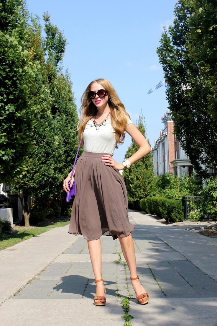 grey tee and chiffon skirt