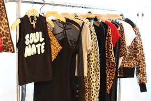guess holiday 2014 collection leopard