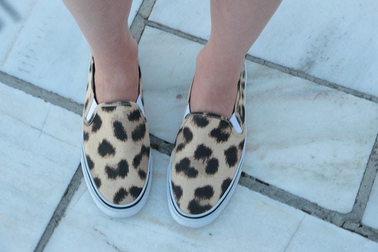 hm leoaprd slip on sneakers