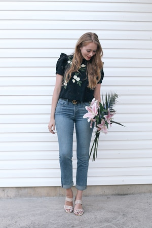 how to look one size smaller in jeans nydj (1 of 6)