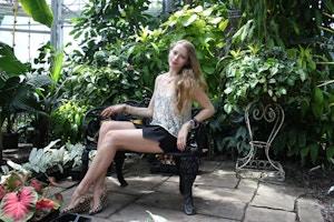 inside the palm room allan gardens