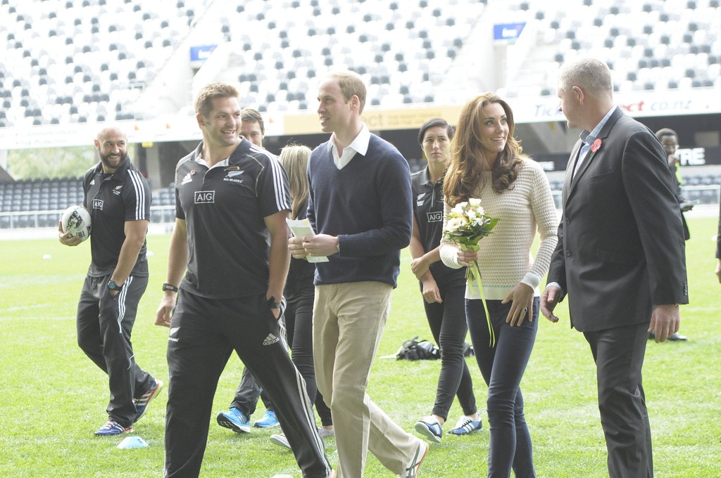 kate middleton casual outfit rugby new zealand