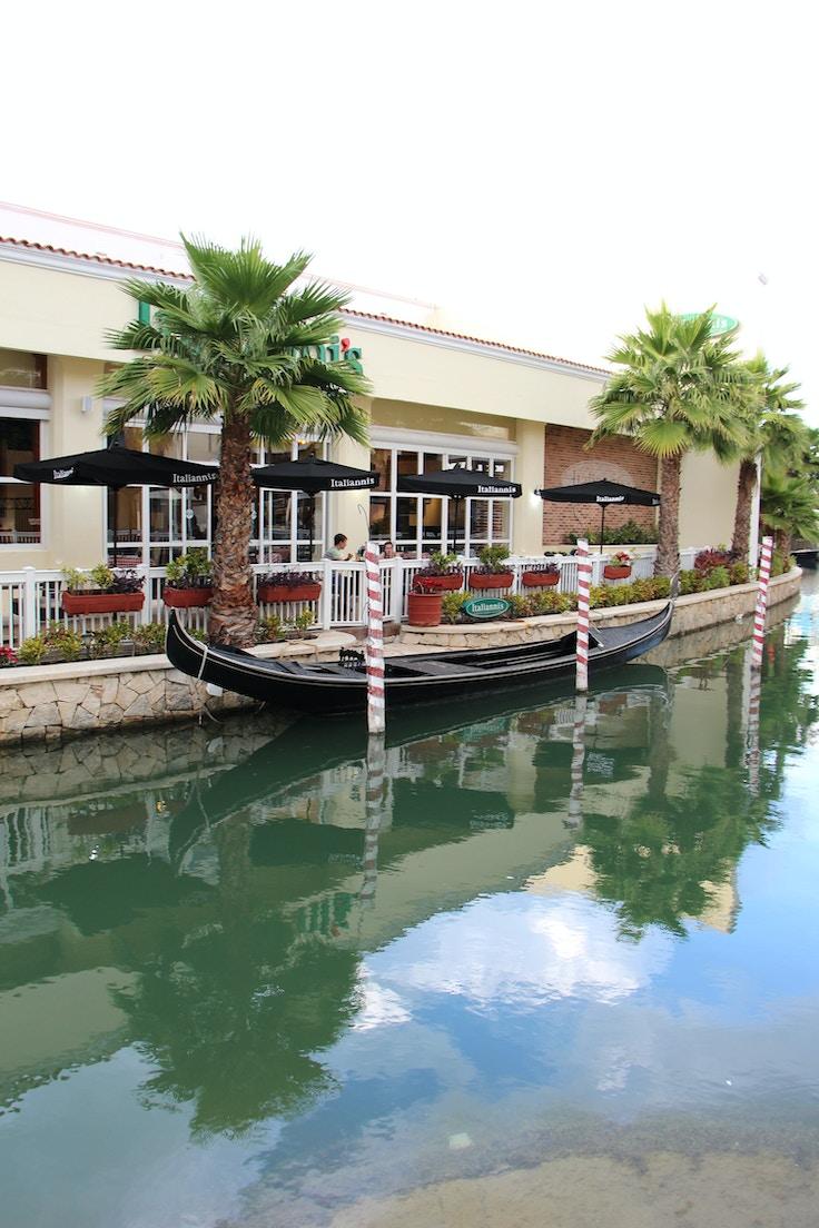 la isla shopping mall