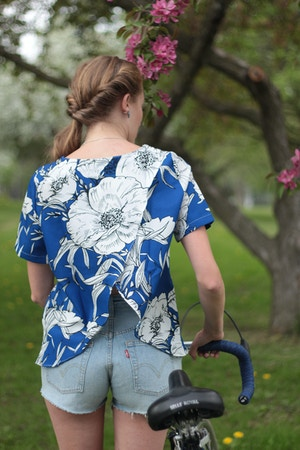 levi's 501 shorts slash zara hawaiian shirt