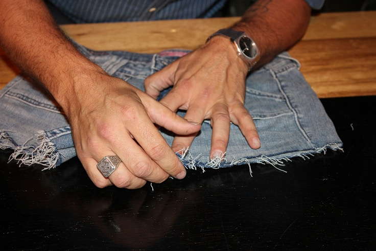 levis how to cut off shorts