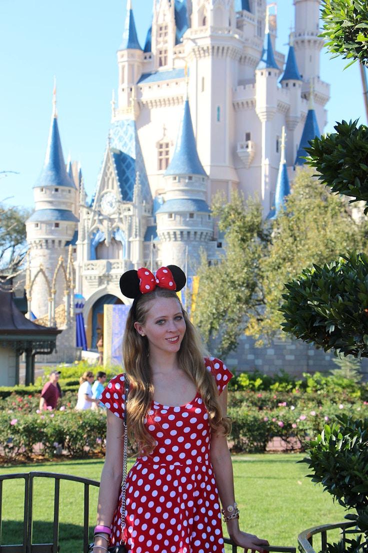 magic kingdom minnie mouse