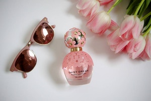 marc jacobs daisy dream blush (2 of 2)