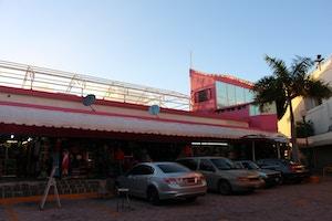 mercado coral negro cancun