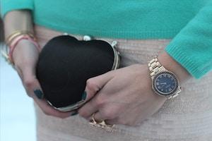mini heart clutch